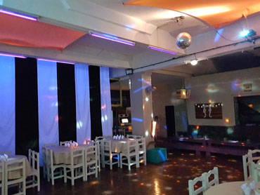SALON MULTIEVENTOS PICAROS TEENS